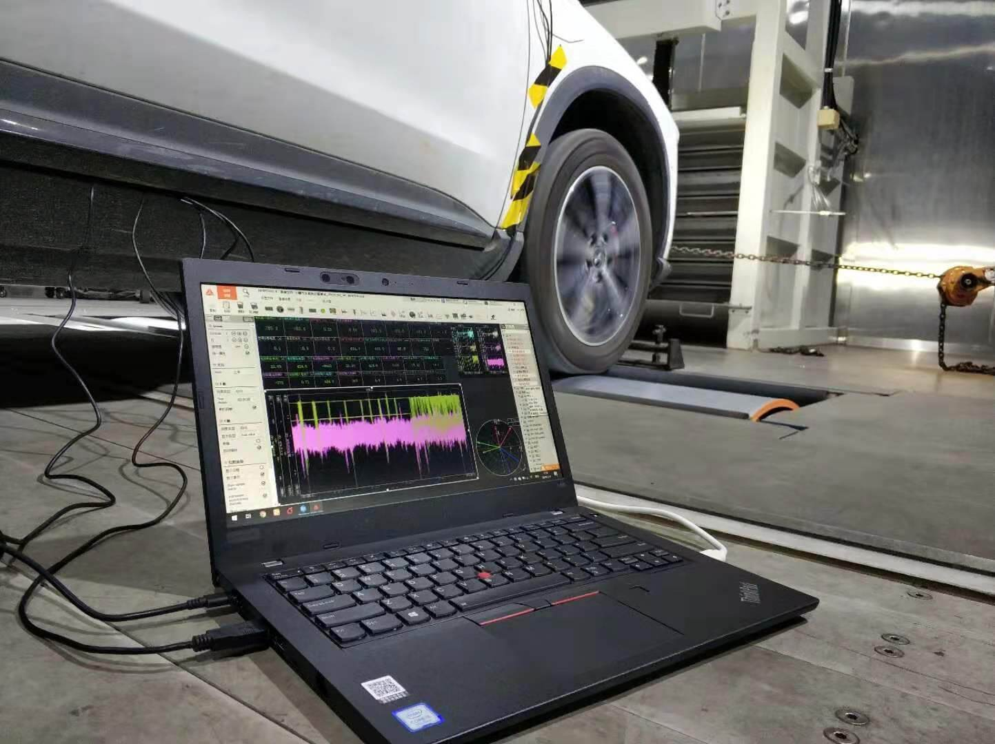 Measurement setup in a vehicle on a dynamometer