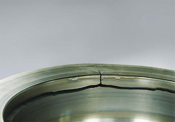Bearing with outer ring crack