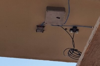 Strain gauge sensors SNS-STG and IOLITEdi-1xSTG mounted on the soffit of the bridge