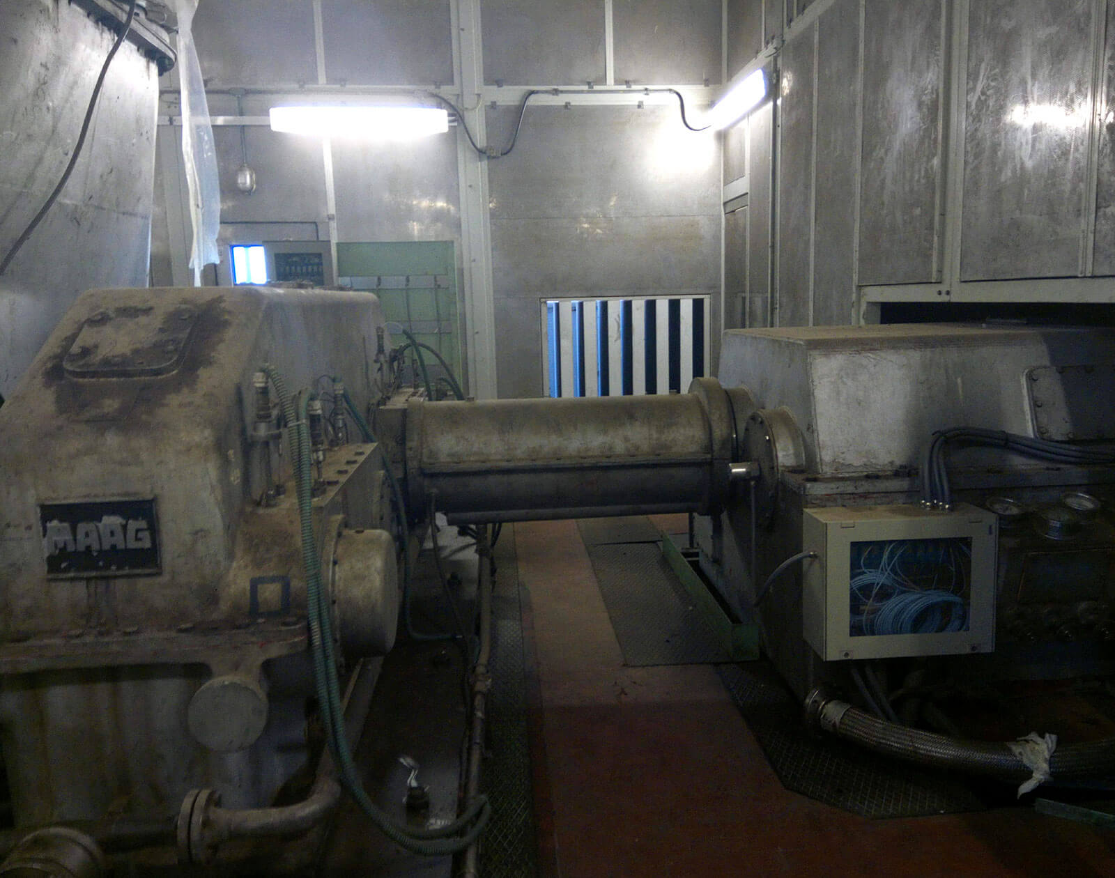 Geothermal power plant main turbine